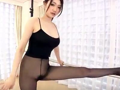 軟体ボディが魅力的なヨガインストラクターのお姉さん…教え子の男とハメ撮り痴女イキSEX☆